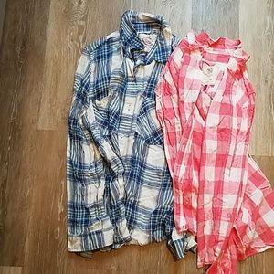 Bundle of 2 Plaid long sleeve shirts